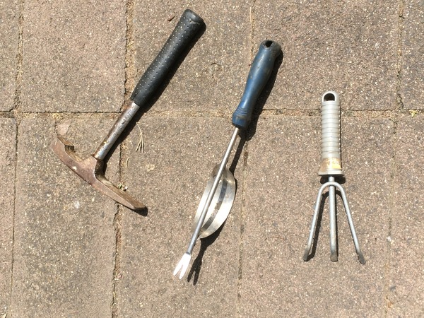 assorted gardening tools hire in melbourne 2 day