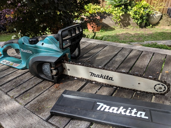 Makita electric chainsaw hire in sydney marrickville 35day greentooth Choice Image